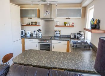 Thumbnail 2 bedroom flat for sale in Thorngate House, Lincoln