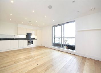 Thumbnail 1 bedroom flat to rent in Battersea Park Road, Battersea, London