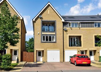 4 bed town house for sale in Chapel Drive, Dartford, Kent DA2
