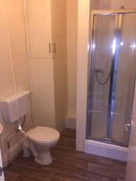 Thumbnail 3 bed flat to rent in Park Grove, Hull