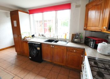 Thumbnail Room to rent in Manor Park Drive, Sheffield