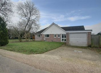 Thumbnail 3 bed detached bungalow to rent in Hilltop Road, Kings Langley