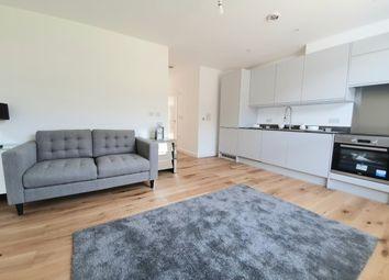 Thumbnail 1 bed flat to rent in Basildon