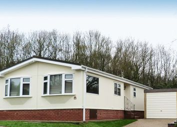 Thumbnail 2 bedroom mobile/park home for sale in Ashurst Drive, Tadworth