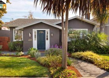 Thumbnail 2 bed property for sale in Oakland, California, United States Of America