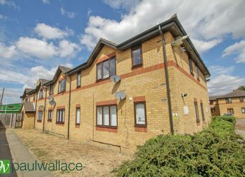 Thumbnail 1 bed flat to rent in Victoria Close, Cheshunt, Waltham Cross