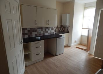 Thumbnail 1 bed flat to rent in Cross Flatts Drive, Beeston, Leeds