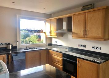 2 bed flat to rent in Riverside, Henley-On-Thames RG9