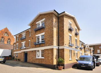 Thumbnail 1 bedroom flat for sale in Hillgate Place, London