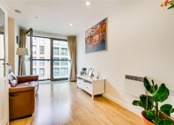 Thumbnail 1 bed flat for sale in Oak Square, London