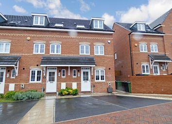 3 bed town house for sale in Fergusson Walk, Morley, Leeds LS27