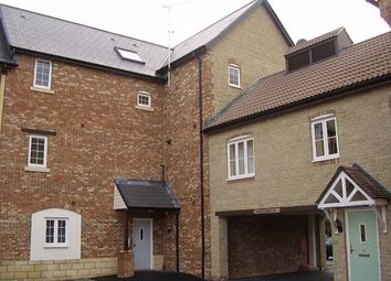 Thumbnail 2 bedroom flat to rent in Maybold Crescent, Swindon