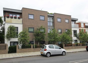 Thumbnail 2 bed flat to rent in Valley Road, London