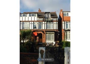 2 bed flat to rent in St Annes Road East, Lytham St. Annes FY8