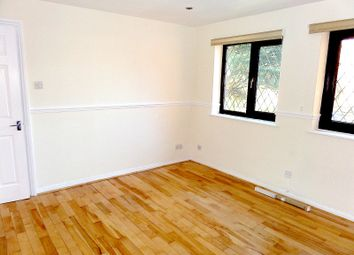 Thumbnail 2 bed flat to rent in Hammet Road, Hayes