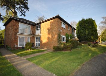 Thumbnail 1 bed flat to rent in Newlands Crescent, East Grinstead