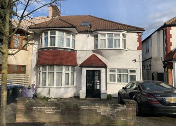 Thumbnail Studio to rent in Park Avenue North, Willesden Green