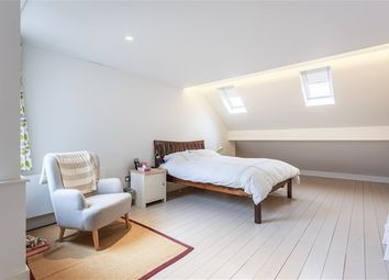 Thumbnail 3 bed flat to rent in Windmill Road, Brentford