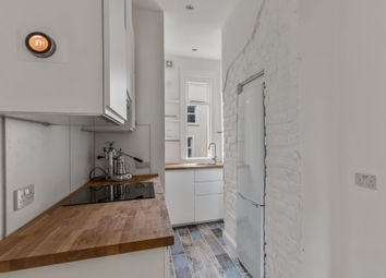 2 bed flat to rent in East Cliff, Folkestone CT19