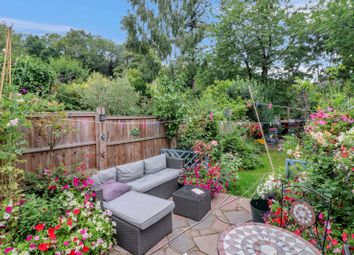 Thumbnail 2 bed detached house for sale in Vicarage Lane, Kings Langley