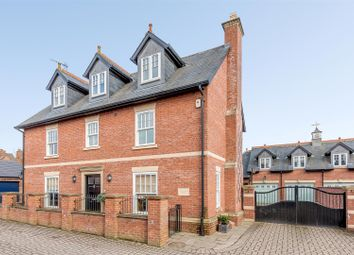 Thumbnail 5 bed detached house for sale in Hillmorton Road, Rugby, Warwickshire