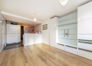 2 bed flat for sale in Mastmaker Road, London E14