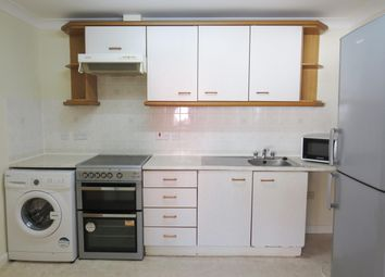 2 bed flat to rent in Torbay Road, Paignton TQ4