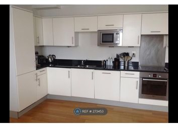 Thumbnail 2 bed flat to rent in Clapham Common Sth, London