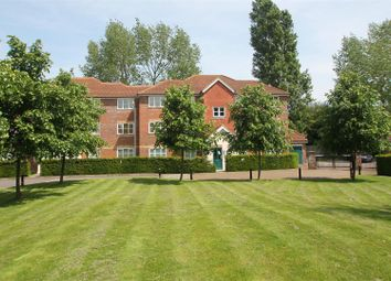 Thumbnail 1 bed flat to rent in Whitehead Way, Aylesbury