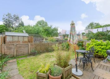 Thumbnail 2 bed flat to rent in New Barnet, East Barnet