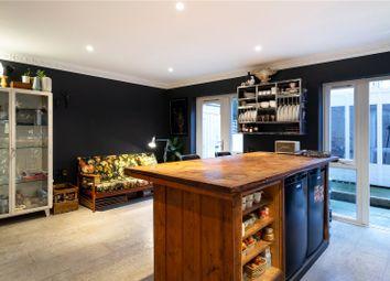 Hunt Close, Holland Park W11. 1 bed flat for sale