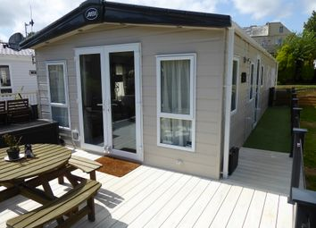 Thumbnail 2 bed mobile/park home for sale in Coghurst Hall Holiday Park, Ivy House Lane, Hastings, East Sussex