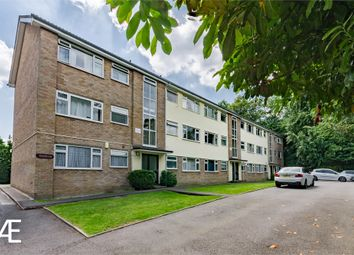 Thumbnail 1 bedroom flat to rent in Pinewood, Chislehurst, Kent