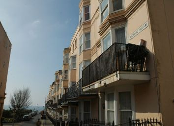 2 bed flat to rent in Bedford Square, Brighton BN1