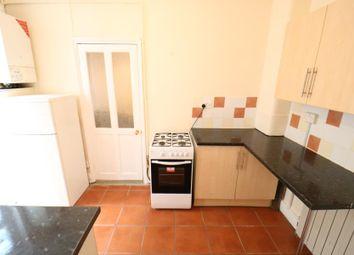 Thumbnail Flat to rent in Lyndhurst Road, Wood Green