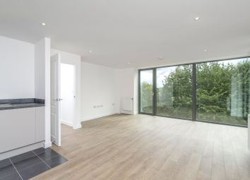 Thumbnail Flat to rent in Lapwing Heights, Waterside Way, London
