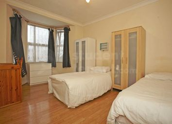 Room to rent in Colville Road, London, Greater London E11