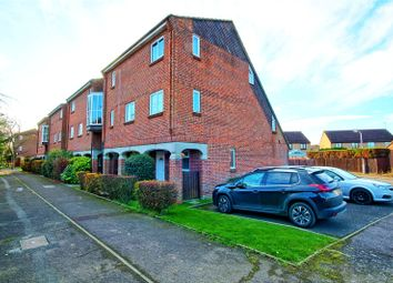 Thumbnail 2 bed flat for sale in Abingdon Court, Basildon, Essex