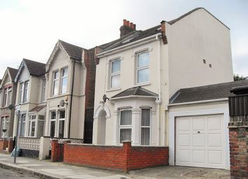 Thumbnail 4 bedroom flat to rent in Pelham Road, Seven Kings Ilford