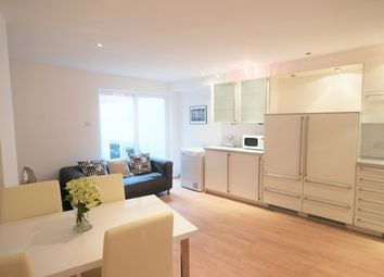 Thumbnail 5 bed mews house to rent in Sidney Grove, Angel, London