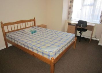 Thumbnail 4 bed shared accommodation to rent in East Park Avenue, Mutley Plain, Plymouth