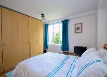 Thumbnail 2 bedroom flat for sale in Gee Street, Clerkenwell, London