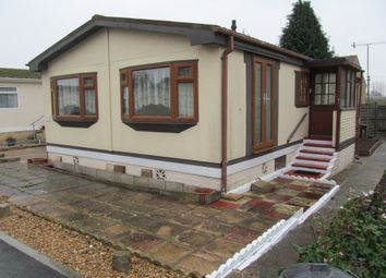 Thumbnail 2 bed mobile/park home for sale in Arundel Drive, Thornlea Court, Lyminster, Littlehampton, West Sussex
