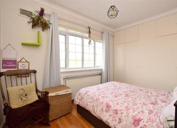 Thumbnail 2 bed flat for sale in Southover Street, Brighton, East Sussex