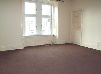 Thumbnail 1 bed flat to rent in Provost Road, Dundee, 8Af