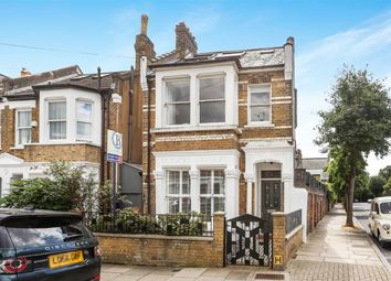 4 bed link-detached house for sale in Yerbury Road, London N19
