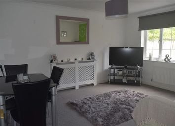 Thumbnail 2 bed flat to rent in East Road, London