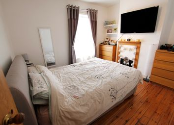 Thumbnail 2 bed cottage to rent in Coten End, Warwick