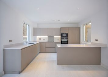 Thumbnail 4 bedroom maisonette for sale in Belmont Park, Lewisham