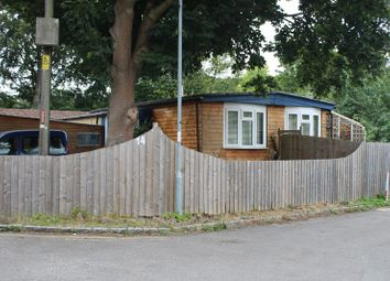Thumbnail 2 bed mobile/park home for sale in Rayners Avenue, Loudwater, High Wycombe